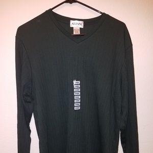 Men's V Neck Long Sleeve Shirt NWT